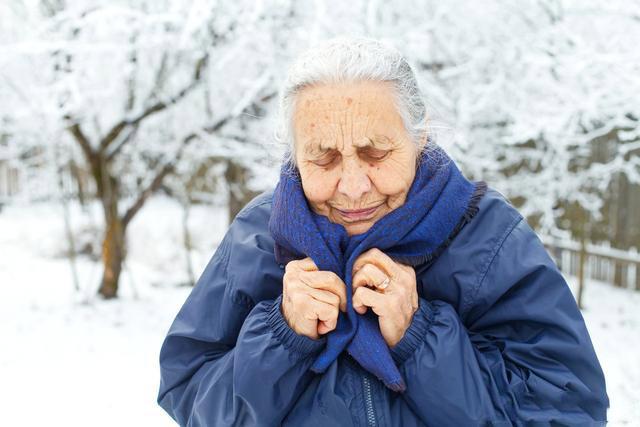 让老人迈过冬天的坎,这几条建议不能忽视