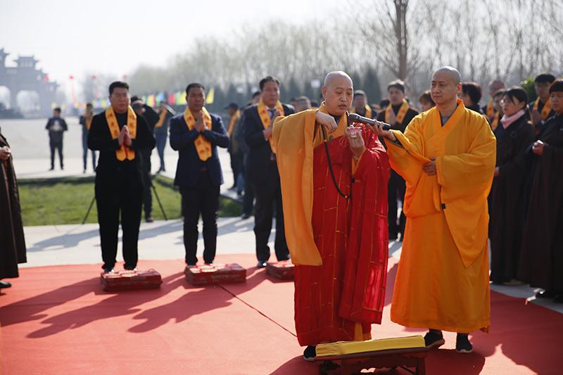 佛法仪式现场