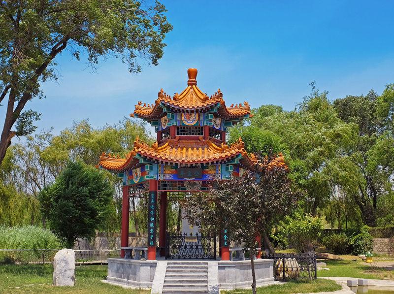 北京静安墓园亭子