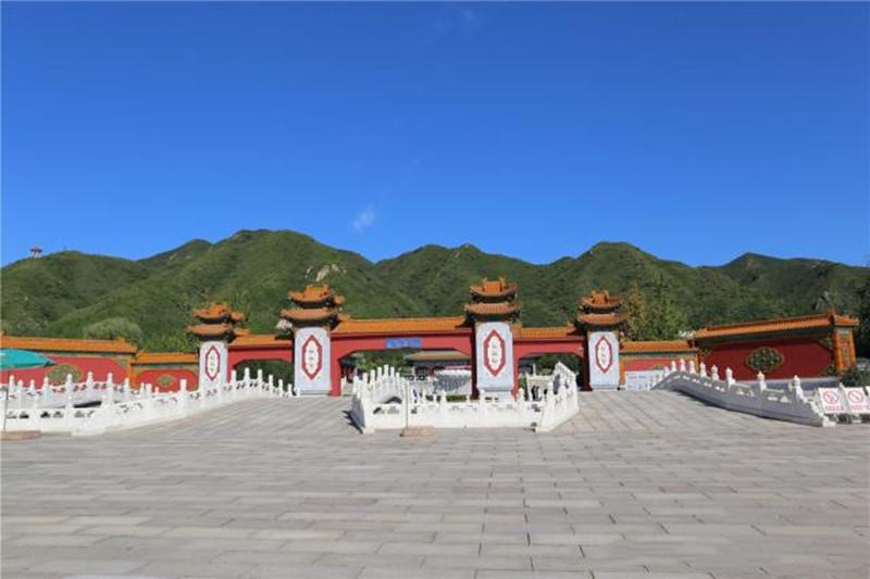 天寿陵园正门景观