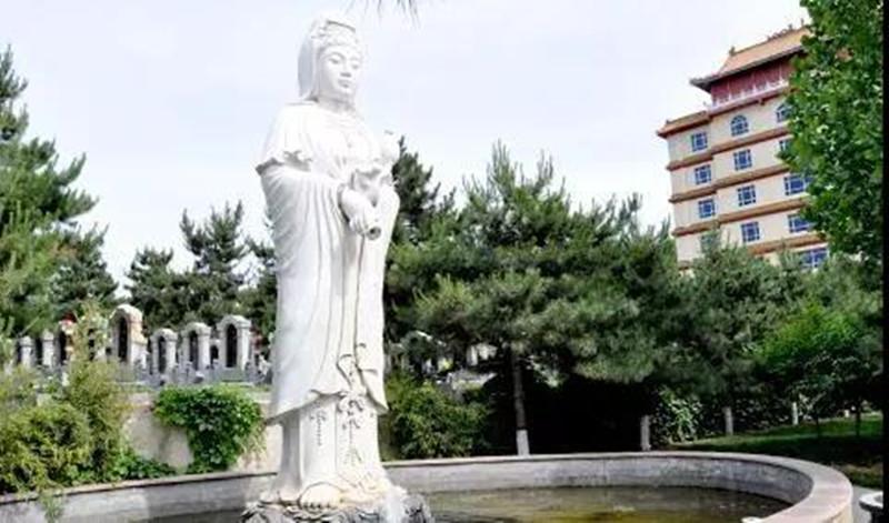 三河灵山宝塔雕像