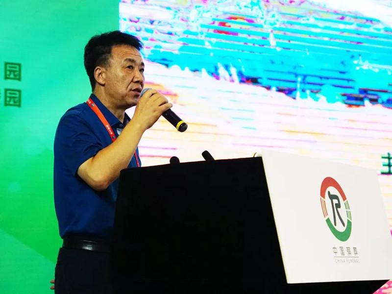 银川市民政局党组书记、局长杨军利作主题交流