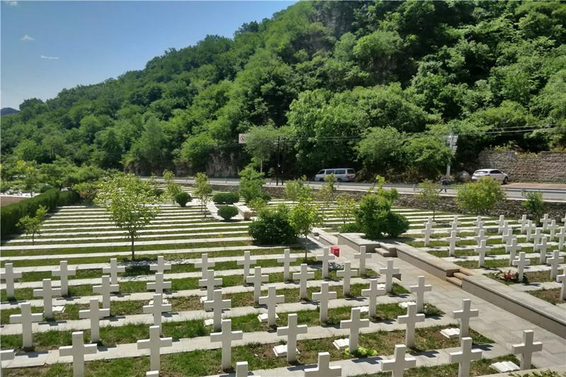 九公山墓地环境