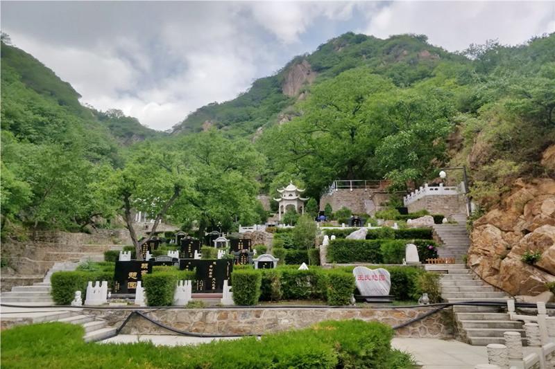 怀柔九公山长城纪念林景观