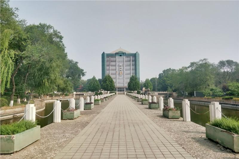 房山静安墓园道路景观