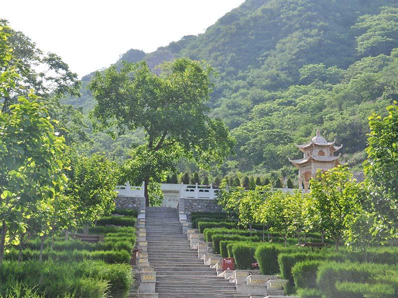 北京九公山公墓