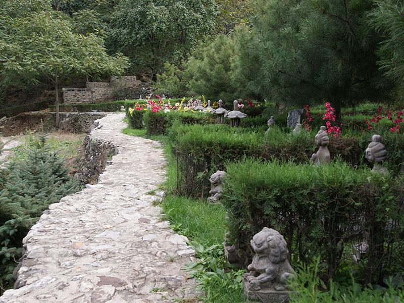 怀柔九公山陵园