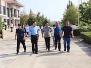国庆前期顺义区委社会工委区民政局领导到潮白陵园检查慰问