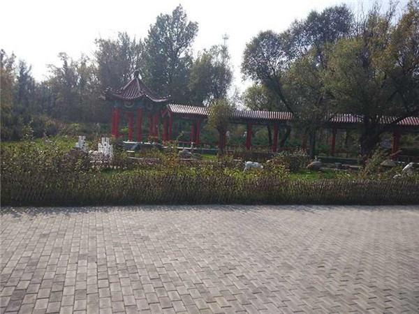 福安园公墓红木长廊