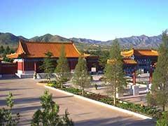 最新发布:中华永久陵园清明祭扫班车安排
