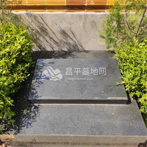 龙德园卧碑